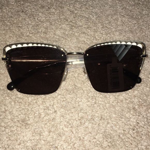 5d698fe5b120 Square pearl Chanel sunglasses